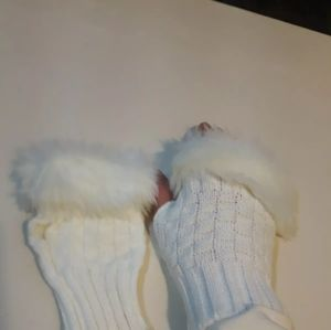 Accessories - White Fake Fur Knitted Fingerless Mittens Size xs